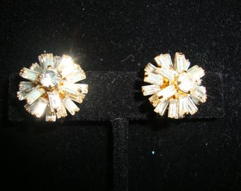 Vintage Rhinestone Clip Earrings.FREE SHIPPING