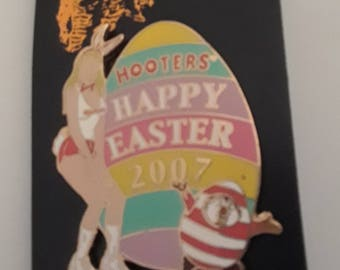 LIMITED EDITION Hooters 2007 Happy Easter Pin