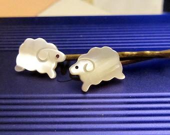 Sheep shell hair bobby pin