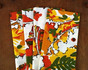 4 Vintage Floral Cloth Napkins Harvest Autumn Fall Free Shipping