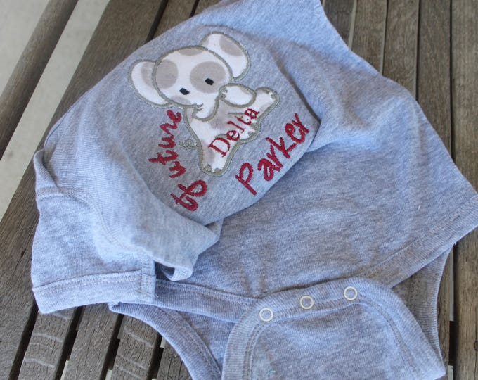 Personalized Onesie Applique Elephant Customized Embroidered Monogram Baby Infant Toddler Short/Long Sleeve T-Shirt Baby Announcement