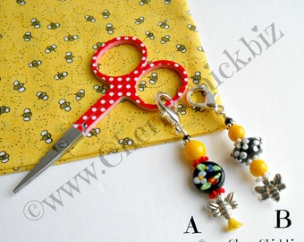 Scissor Fob - Day Planner Charm - Bee Charm - Gift for Quilters - Purse Charm - Zipper Pull - Quilt Retreat Gifts - Beaded Fob - Bee fob