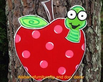TEACHER APPRECIATION:Apple door hanger,Apple with worm door hanger,Back to School door hanger,teacher gift,custom sign,welcome sign,