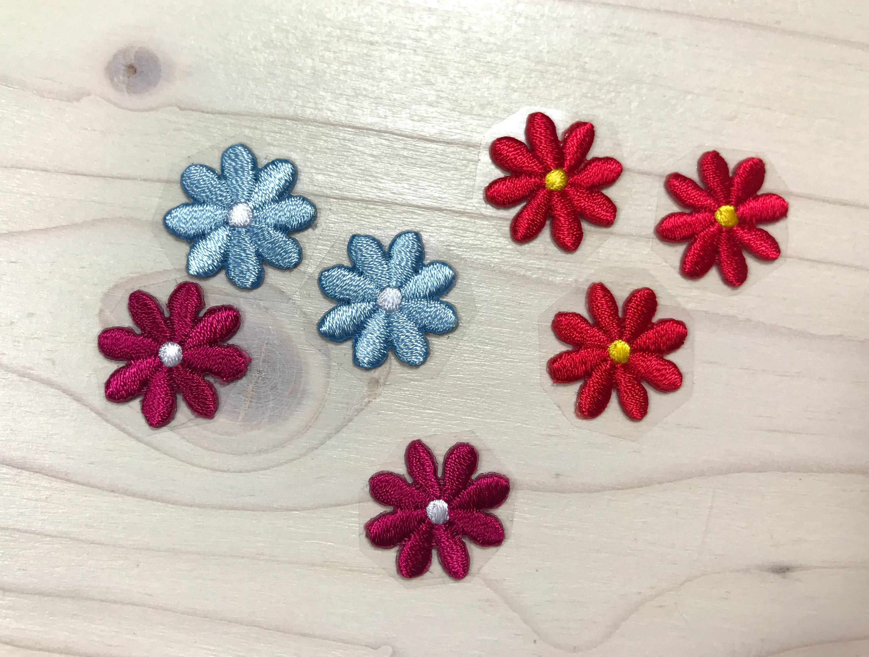 Iron On Daisy patch 0.8 in Flower patches Daisy patch Embroidered ...