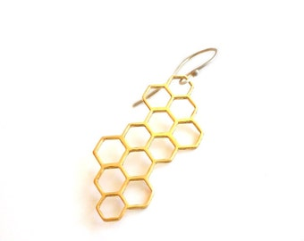 EAD2015 25/365 Honeycomb Single Earring