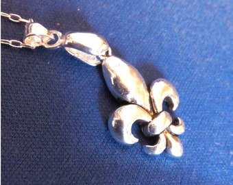 Silver Medallion fleur de lis with chain