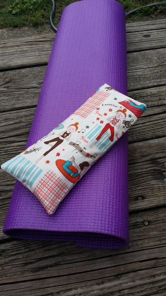 Yoga Eye Pillow / Relaxing Eye Pillow with Yoga Pose Print cover /  yoga accessories / Meditation Eye Pillow/ Yoga Gift / Sensory Tool