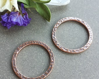 "1"" Hammered Ring - Antique Copper >> 4 or 10 pieces > Large, 25mm Tierra Cast, Pewter Ring, Lead-Free, American Made, Textured, High-Quality"
