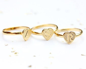 Initial Heart Ring, Gold Initial Ring, Gold Heart Ring, Gold Signet Ring, Heart Signet Ring, Letter Ring, Vintage Ring,a,b,c,e,j,l,s,r,t