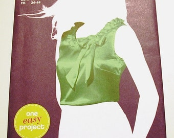 LAST CHANCE SALE - Simplicity 2026 - Misses Pullover Top Pattern - Sew Simple - Size 6, 8, 10, 12, 14, and 16 - Uncut