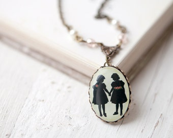 Girls Silhouette necklace, gift for Mother of two daughters, Best Friend necklace, Vintage Sister Necklace, Vintage necklace, bff necklace