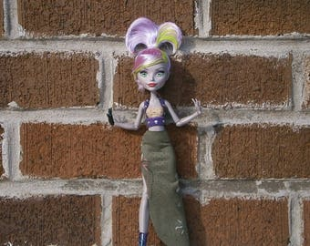The Saucy Bard OOAK fantasy outfit for monster high and ever after high dolls