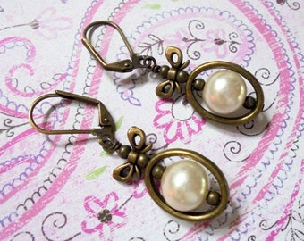 White Pearl Earrings with Bows (3750)