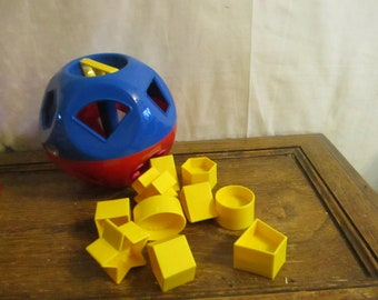 Tupperware Ball O Shapes  Tupperware Toy includes 10 shapes