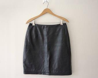 1990s Maxima by Wilsons The Leather Experts Black Leather High Waist Above the Knee Skirt Size 8 | Back Slit