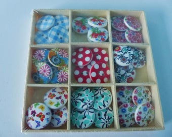 36 flowers Butterfly gingham dots 1.8 cm wooden buttons