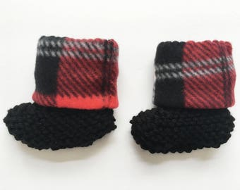 buffalo plaid baby booties, buffalo plaid baby booties, knit plaid baby booties, lumberjack baby shoes, lumberjack plaid booties