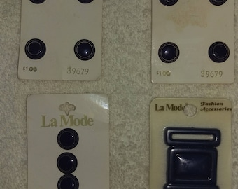 NEW Vintage LA MODE Lot of 12 Buttons  and 1 Belt Buckle - On original Cards - New Old Stock
