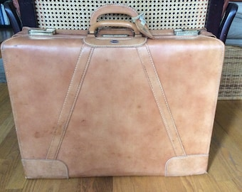 Vintage Towne USA Leather Suitcase / 1950s suitcase