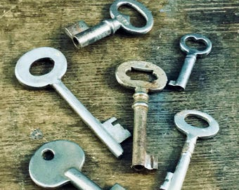 Lot of 6 Vintage Skeleton Keys - Wedding - Lock Key