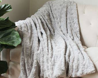 Grey Faux Fur Blanket | Gray Throw | Grey Decorative Sofa Throw | FauxFur  Blanket |
