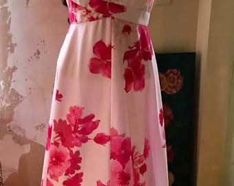 Beautiful vintage maxi dress, pretty in pink