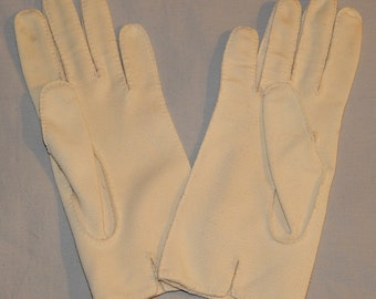 Last Chance - Cute Vintage Ladies' Gloves - Cream or Ivory, Small, size 5 1/2 - 6