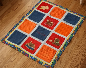 "Minky Baby Blanket, Appliqued ""It's a Dogs Life"""