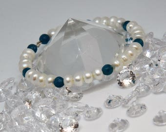 Pearl and Teal Agate Bracelet