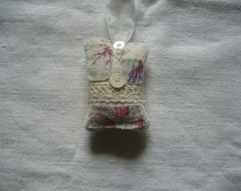 Pretty Vintage Lavender Bag