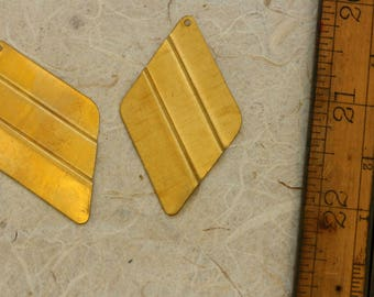 Vintage brass stamping. Priced per pair. Brass diamond shape with modern crimp! Beadwork, Jewelry making, Jewelry supply.