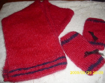 set scarf and fingerless gloves in adult or teen mohair