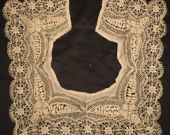 Antique Lace 19TH C. MALTESE Lace Silk Collar Handmade
