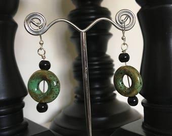 Green stone circles earrings