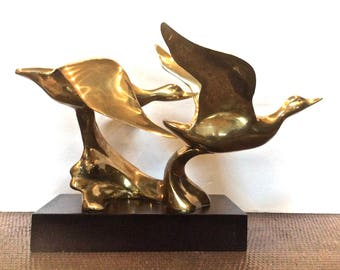 """Large Brass 'Geese in Flight' Sculpture on Wood Base 19"""" in Length, 7 lb in Weight"""
