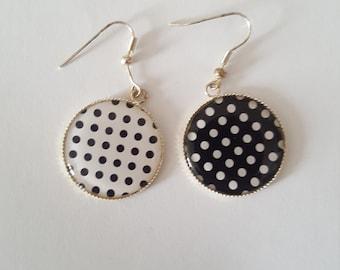 "Earrings cabochon ""dots"""
