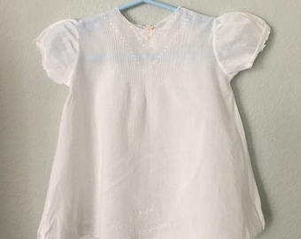 Antique Baby Gown, vintage white 40s or 50s baby dress, Baptismal gown, White cotton children's dress