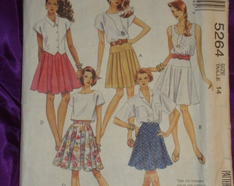 90s Vtg Skirt Wardrobe With or Without Yoke Choice of Pleated Flared or Circle Above Knee Length COMPLETE McCalls 5264 Waist 28 US 71 CM