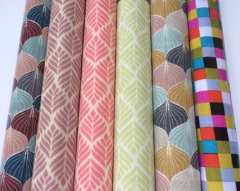 3 Lots de tissus,  total 16 coupons, de toiles cirées coton et tissus enduits, motifs et imprimés graphique, coloris divers, de 25 a 30cm