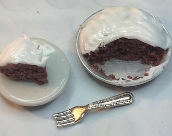 Dollhouse miniature cake