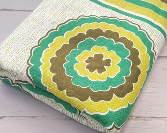 HALF PRICE Vintage Fabric 2mts Retro Floral Green
