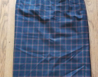 """1980's Pendleton Vintage Wool Pencil Skirt Plaid Green Red Pockets High Waisted 10 32"""" Waist Pin Up Rockabilly"""