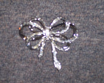 Kenneth Jay Lane Bow Pin