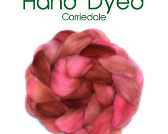 Hand dyed roving - Corriedale - 100g/3.5oz - red - pink