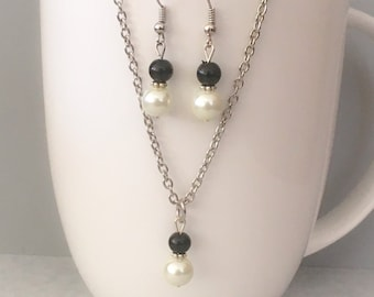 Black bridesmaid necklace set, black necklace set, black bridesmaid jewelry, black necklace, glass pearl necklace