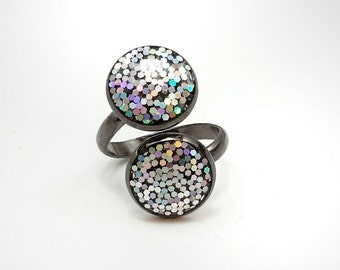 Iridescent glitter ring / double stack ring / glitter jewelry / sparkle ring / statement jewelry / black ring / women's jewelry