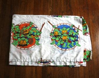 Vintage Teenage Mutant Ninja Turtles Bed Sheet. 90s TMNT Cartoon Collectible 90s Twin Bed Sheet. White 90s Kid Cartoon Twin Bed Sheet