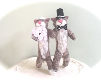 Funny cats wedding cake topper cats , animal wedding cake topper animals , needle felted cat pink flowers white black bride and groom cute