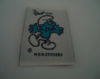 coat sewing - Smurf - size 3.1 * 4.5 cm