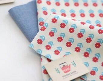 Little Vintage Style Flower Pattern 20s Cotton Fabric - Blue